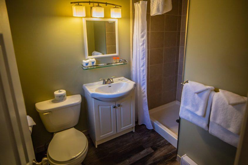 Kitchen Suite Bathroom